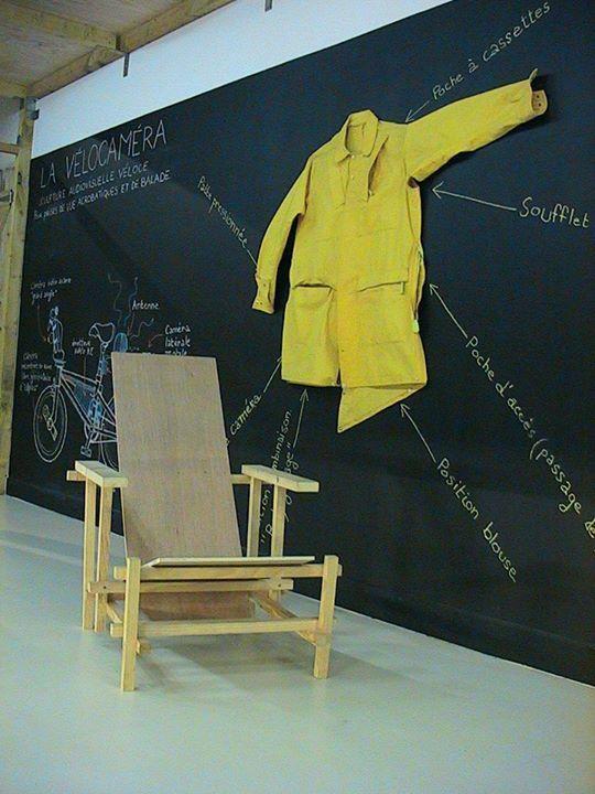 """vues de l'exposition """"La Commune d'images"""", école des beaux-arts/galerie Edouard Manet, Gennevilliers, 2003"""